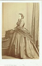 Photo cdv : Levitsky , Mademoiselle Germain épouse Lavigne ; vers 1865