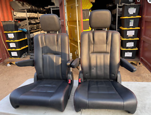Dodge Caravan 2020 Seats Town & Country Black Leather -slightly damaged