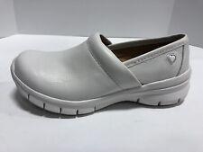 Nurse Mates Libby White Slip Resistant Slip On Shoes Women's Size 8 Wide 257604