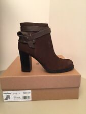 Tommy Bahama Liia Brown Suede Heeled Ankle Boots Size 7M *NEW
