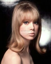 MODEL PATTIE BOYD - 8X10 PUBLICITY PHOTO (DD551)