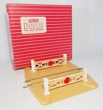 Hornby Dublo 00 gauge Boxed 2-rail Level Crossing (2460)
