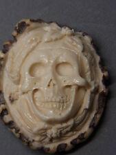 Antik  Arbeit 19.Jh. Horn Hirschrose Bein Memento Mori Vanitas Totenkopf Skull