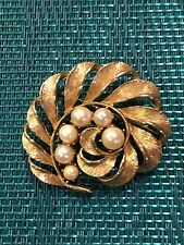 Gorgeous Faux Pearls Gold Leaf Brooch Lisner Pin Brooch