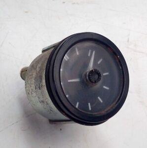 Land Rover Defender 90 110 12V VDO 52mm analogue clock AMR3443 (25)