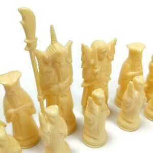 32 Ming Dynasty Style Plastic Chess Pieces Vintage 1970 Transogram