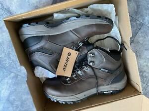 Mens walking hiking boots - Hi-Tec waterproof Altitude VI i WP
