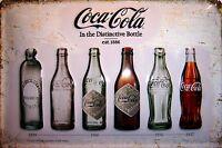 Coca Cola Bottiglie 1899 - 1957 Segno Metallo Insegna 3D Rilievo Targa 20 X 30
