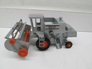 ALLIS CHALMERS G GLEANER, WITH GRAIN HEAD, MINT FROM 60'S