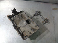 Mitsubishi Shogun 3.2 diesel / Pajero LWB 1999-2006 Battery tray +clamp MR440936