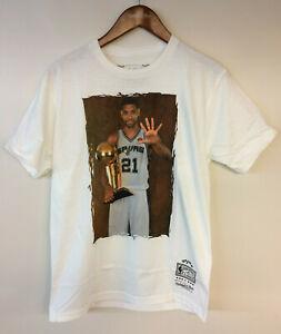 Tim Duncan San Antonio Spurs Hall Of Fame Mitchell & Ness NBA T-Shirt