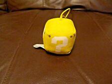 Mario Bros. Yellow Question Square 2 x 2 Inch Key Chain (NEW)
