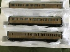 HORNBY OO NEW 3 X  TEAK CARRIAGES,SUIT FLYINGSCOTMAN OR MALLARD.