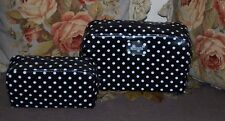 BNWT Beautiful Designer KENNETH COLE REACTION 2 Piece Black & White Cosmetic Bag