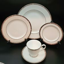 Lenox Pearlescence Platinum 5 Piece Place Setting (S)