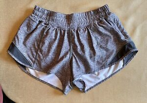Lululemon Shorts Heathered Gray size 6 Excellent Condition Hotty Hot 2.5