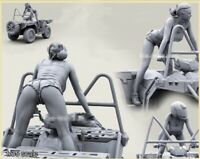 1/35 Resin Figure Model Kit GIRL RIDER (NO CAR 1 FIGURE) Unassambled Unpainted