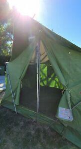 Vintage Coleman Oasis 8x10 Cabin Camping Tent model 8470 sleeps 6