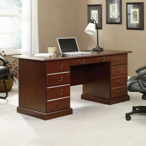 Heritage Hill Executive Desk, Classic Cherry... Elegante escritorio.