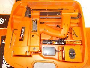 "Paslode IM200-S16 Cordless Utility Stapler, 3/4"" to 2"" # 900078"