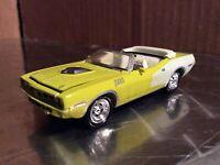 PLYMOUTH BARRACUDA HEMI CUDA GREEN convertible  JOHNNY LIGHTNING 1/64 loose