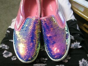 Cat And Jack Girls Shoes. Size 4 Youth Pink multi Color. With flippy sequins