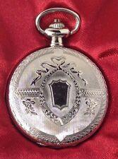 montre style ancienne métal couleur argent rodié gravé finement quartz