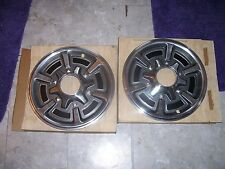 NOS  GM 15 INCH 4X4 FRONT HUBCAPS GM PART 14018342 471157