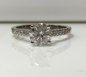 1.40ct Diamond solitaire/engagement with diamond shoulders. 18k White gold