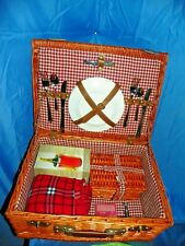 SUITCASE WINE PICNIC BASKET WITH SERVING FOR TWO WITH BLANKET NEW