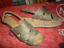 + LUCKY + magnifique sandales P:37 très bon état