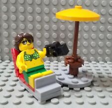 LEGO New City Fun at the Beach Sunbathing Minifigure Bikini Top Umbrella Camera