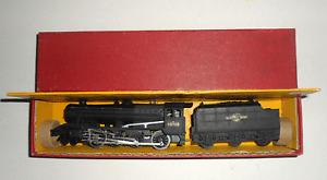 HORNBY DUBLO 2-RAIL 2225 LMR 8F 2-8-0 FREIGHT LOCOMOTIVE 48109 BOXED