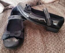 Girls Clarks Size 12.5G School Shoes