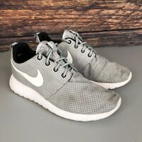 NIKE ROSHE RUN Women's Grey Running Gym Shoes Trainers Size UK 4 EUR 37.5