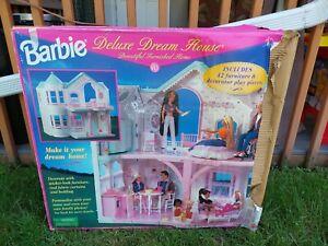 Vintage Barbie Victorian Deluxe Dream House 1995 Mattel w/ Accessories