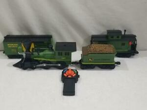 Lionel G Scale John Deere Ready To Play Train Locomotive & Cars  NICE / WORKS