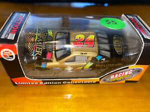 1997 Jeff Gordon Chroma Premier Action 1/64 Diecast Nascar