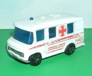1/64 Scale Mercedes-Benz T2 Ambulance Van Diecast Vehicle PlayArt Hong Kong Toy