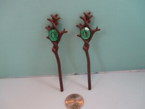 Playmobil accessories SET OF 2 IDENTICAL BROWN STAFFS W/ TRANSPARENT GREEN JEWEL