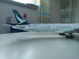 Cathay Pacific Boeing 777-300 1:200 model JC Wings B-HNK XX2163 Spirit of Hong