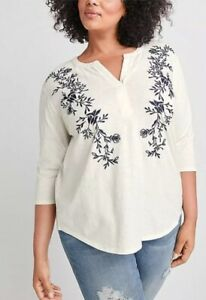 NEW Ryllace Cream Floral Embroidered Organic Cotton Notch Neck Top Size 1X