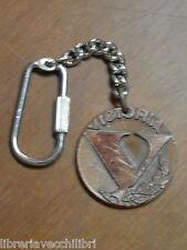 Vecchio portachiavi medaglia in rame VICTORIA con ramo di alloro Mosport d epoca