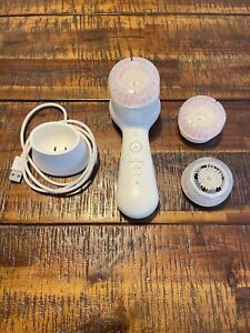 Clarisonic Mia Smart Anti-Aging and Cleansing Skincare Device White