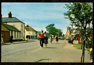 1968 INGOLDMELLS THE VILLAGE STREET SCENE POSTCARD LINCOLNSHIRE OLD SMALL SIZE