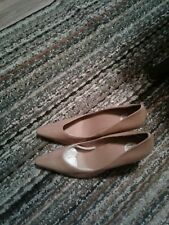 Tan High Heel Shoes Size 9 M very nice shoes new in box