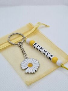 Personalised Daisy Keyring, girls bag tag, flower gifts, daisy charm, summer