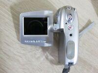 Vivitar DVR-510 Camcorder - Digital Camara - Plateado