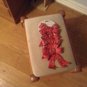 Decorative glittery red bows