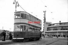 PHOTO  1959 BLACKPOOL TRAM THE CAR HAS JUST BEEN BROUGHT AT DEAD SLOW SPEED ROUN